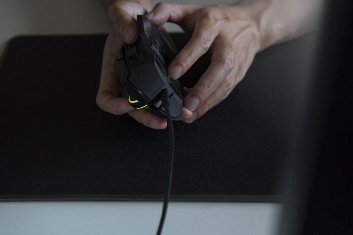 Обзор игровой мыши Razer Basilisk - дизайн (3)
