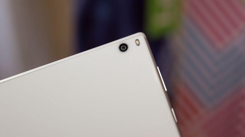 Обзор планшета Lenovo Tab4 10 Plus - основная камера планшета