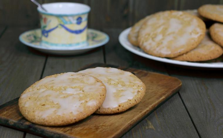Овсяное печенье с лимонной глазурью