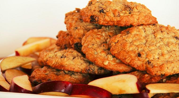 Овсяное печенье с яблоком и кефиром