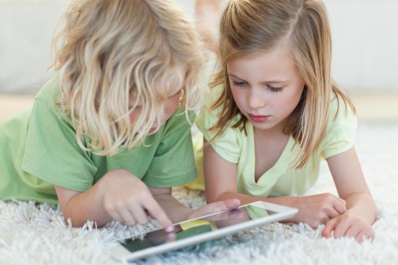Папка «Фото», Секреты воспитания разумного геймера – дети с планшетом.