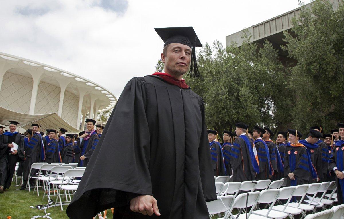 Папка «Фото»_ 10 самых интересных проектов Илона Маска – Илон Маск в университете.
