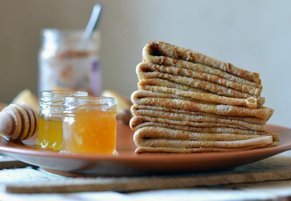 Полезный завтрак-блинчики из цельнозерновой муки