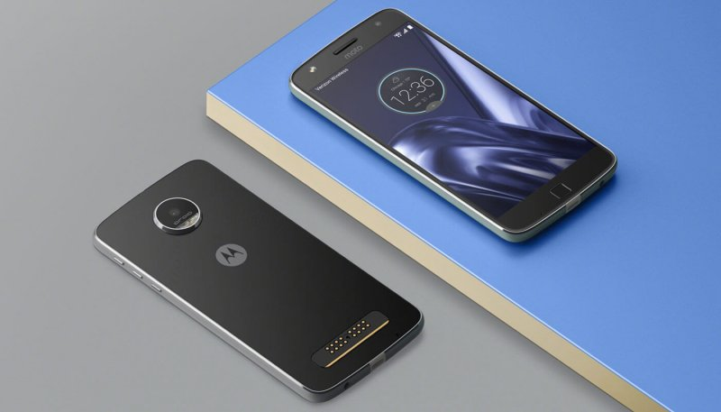 ТОП-10 смартфонов с емкими аккумуляторами - Motorola Moto Z Play
