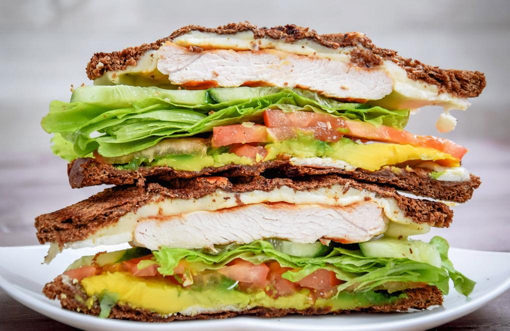 Турецкий сэндвич на гриле-подача