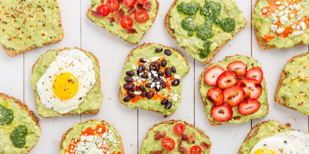 Зеленые тосты-ассорти