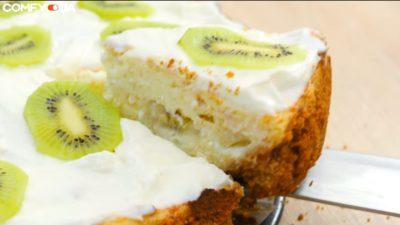 Готовый творожный торт с фруктами