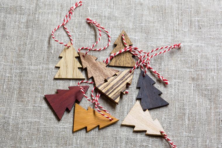 Деревянные елочные украшения-идеи и креатив