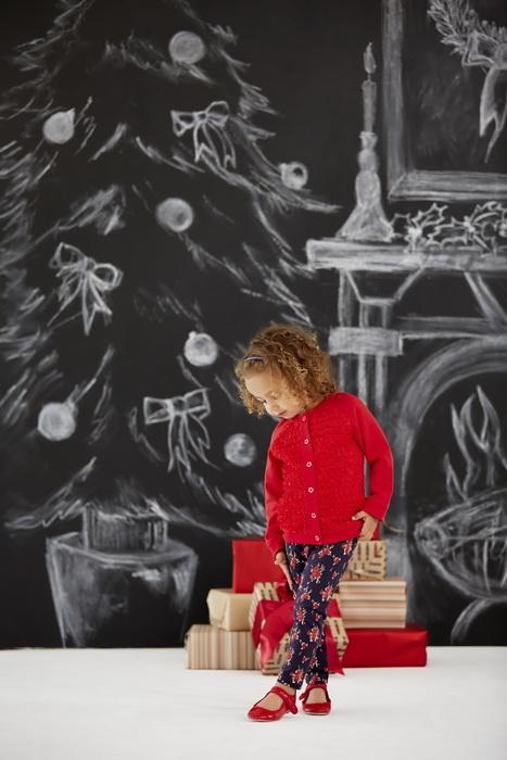 Нарисованная елка-для детей