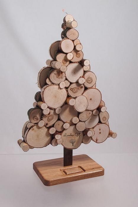 Настольная елка-из срезов дерева