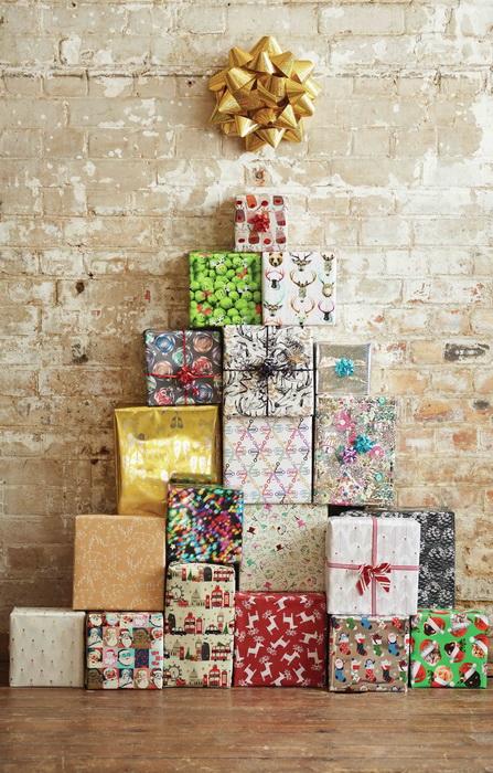 Необычная елка из подарков-идеи и креатив