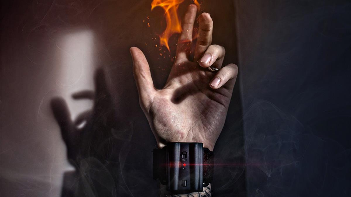 Папка «Фото», 8 гаджетов настоящего супергероя – Pyro Fireshooter.