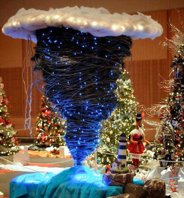Перевернутая елка-креатив