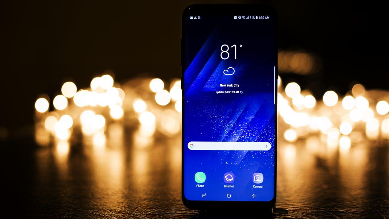 Смартфоны 2017_лучшие технологии года - большая диагональ смартфона