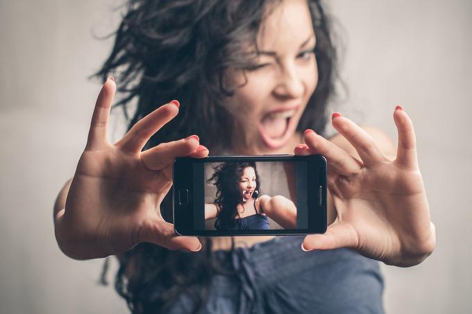 Смартфоны 2017_лучшие технологии года - качественное селфи