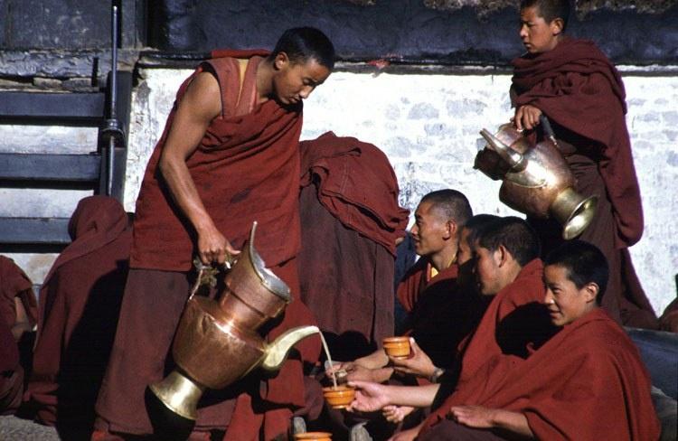 Тибет-чай-еда