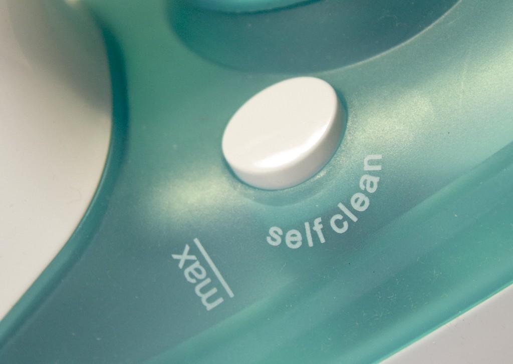 Выбираем новый утюг_на что обратить внимание - самоочистка утюга