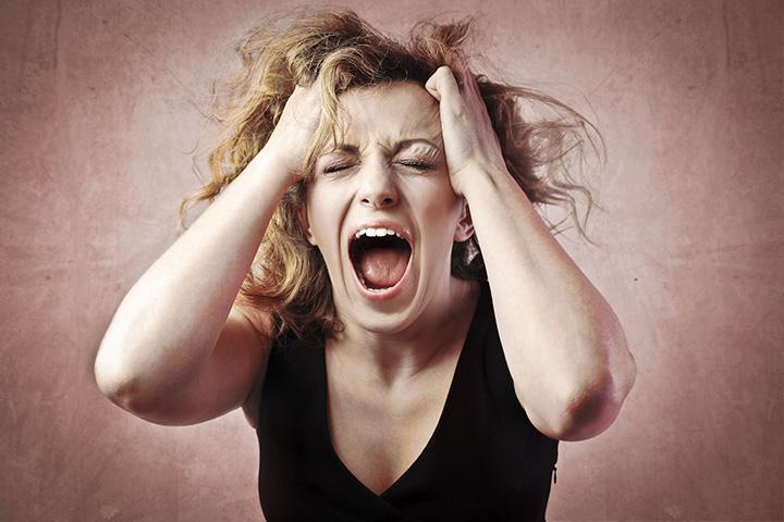 Woman screaming-photo