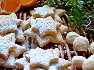 Имбирное печенье с сахарной пудрой