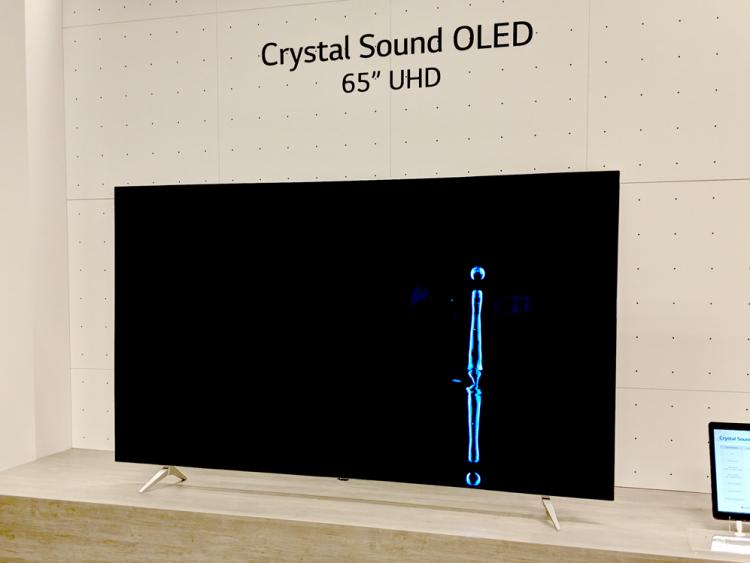 LG Crystal Sound OLED-photo 1