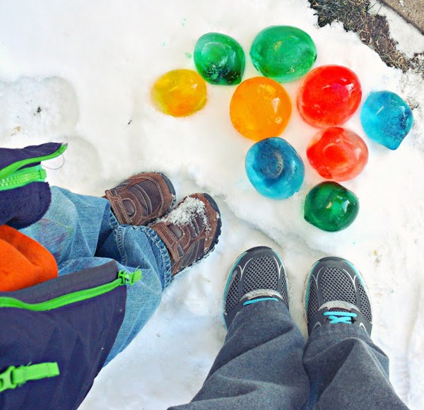 Ледяные шары-как украсить двор