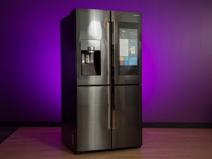 Samsung Family Hub 2018-refrigerator photo