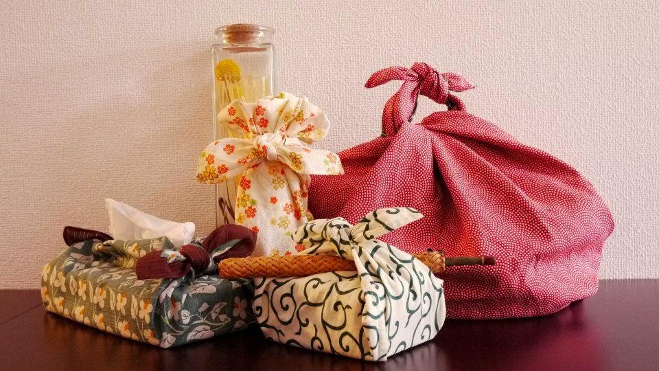 Фуросики-искусство заворачивания подарков в ткань