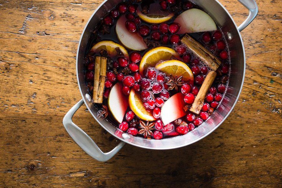 Глинтвейн с ягодами-фото