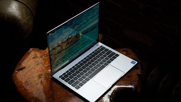 Huawei MateBook X Pro-экран FullView Touch