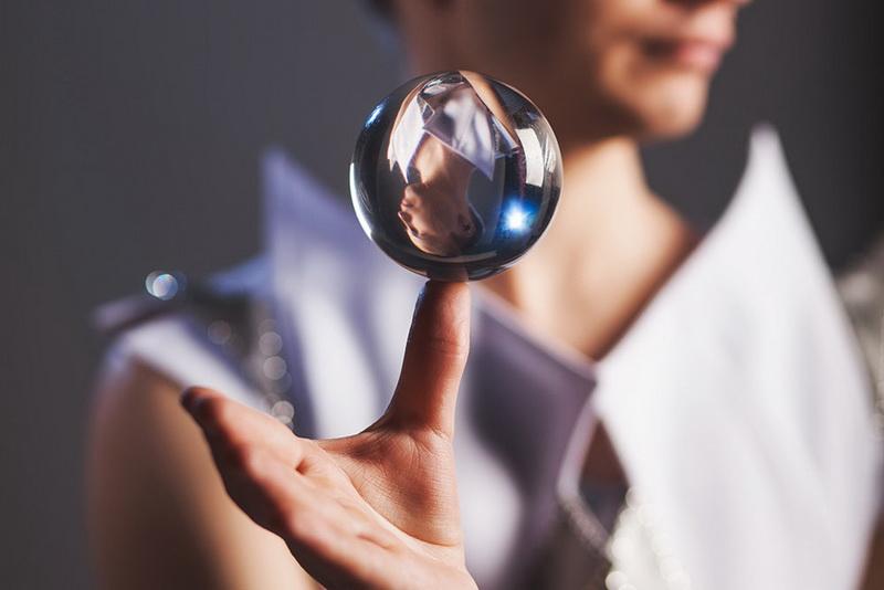Контактное жонглирование-фото