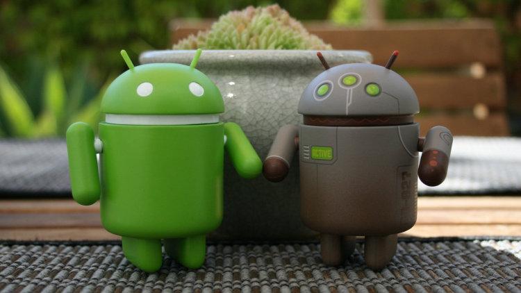 Преимущества смартфонов на чистой ОС Android - два андроида
