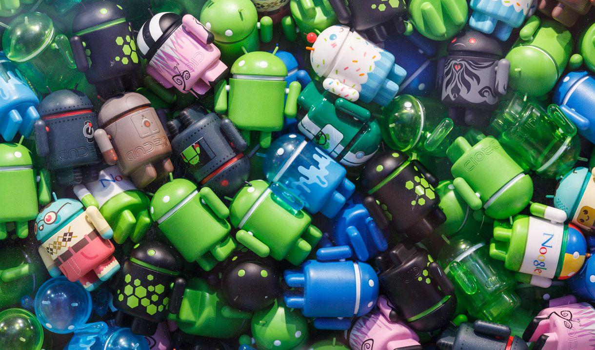 Преимущества смартфонов на чистой ОС Android - много роботов