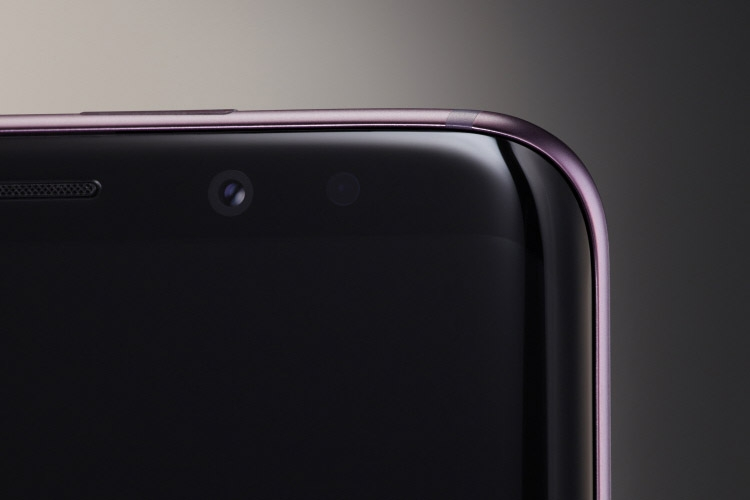 Samsung Galaxy S9 и S9 Plus-фронтальная камера