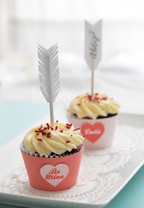 Стрелы амура-декор десертов на День святого Валентина