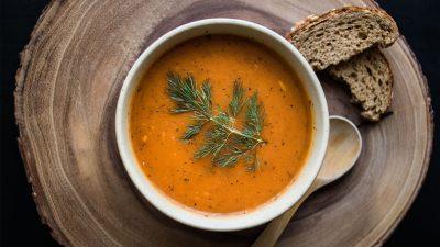 Суп в тарілці