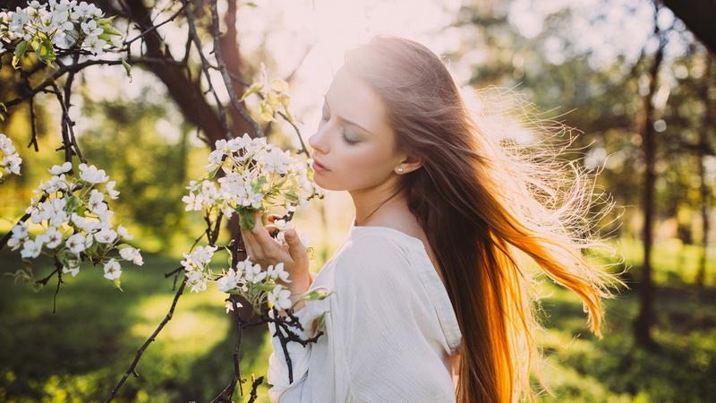 Девушка-весна