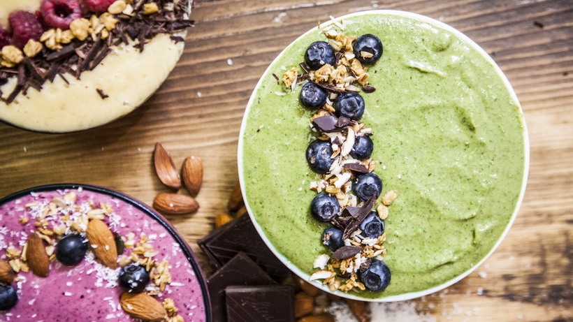 Fruity smoothie bowl-photo