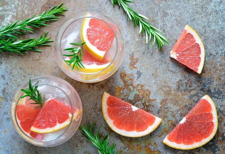 Грейпфрут и розмарин-детокс-вода