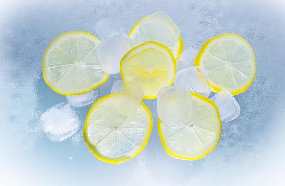 Лимон и лед-фото