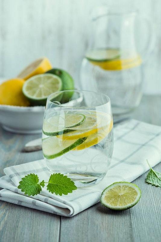 Лимонная вода-подача