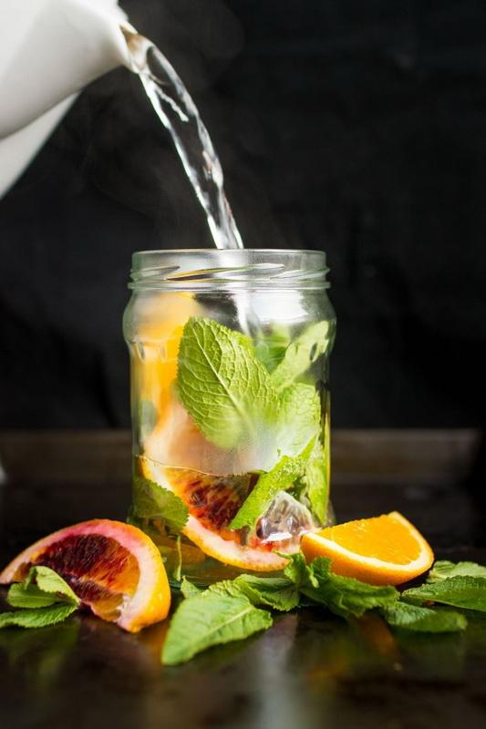 Мята и апельсин-полезная вода