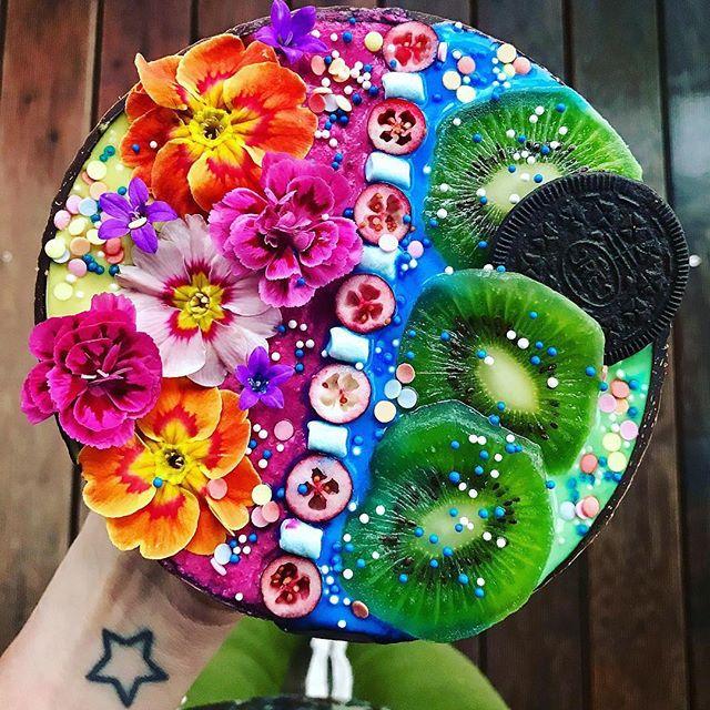 Смузи-боул-с цветами