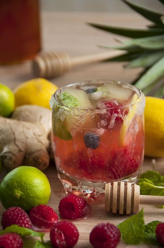 Вода с фруктовым льдом-подача