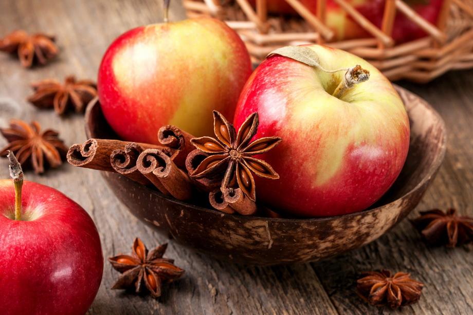 Яблоки и корица-фото