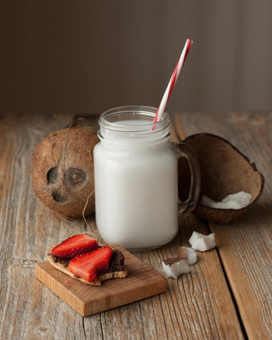 coconut-milk-photo 2
