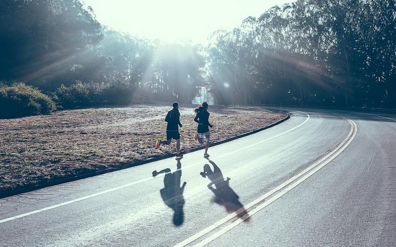 Бег вдвоем-утренняя пробежка