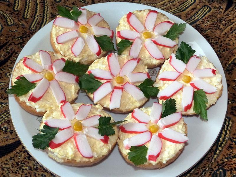 Крабовые цветы-бутерброд