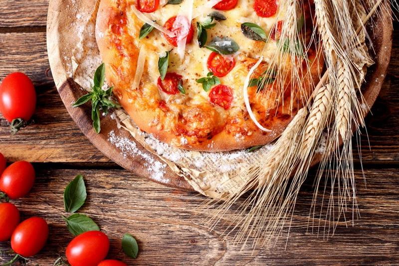 Помидоры,яйца-пицца