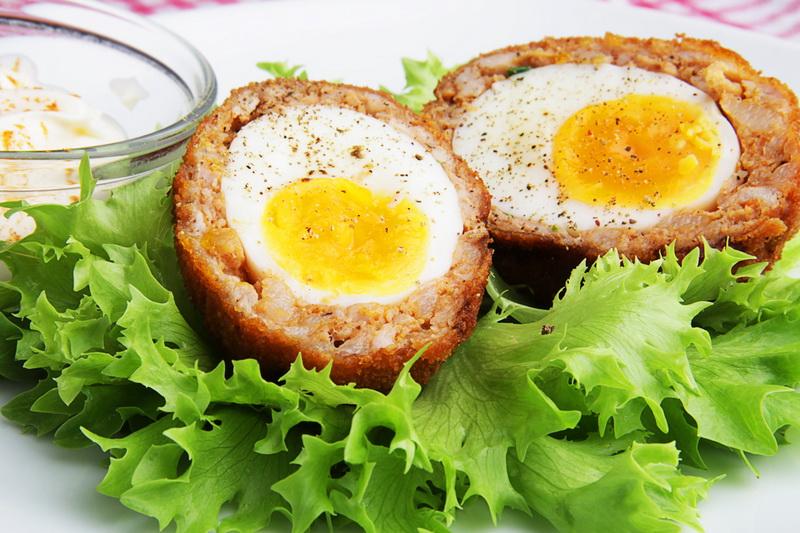 Яйца в фарше- по-шотландски