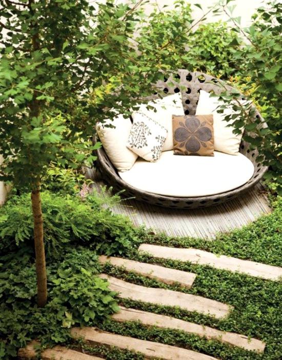 Беседка в саду-зона отдыха